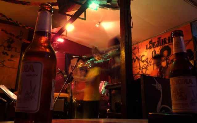 Police raid Chiang Mai karaoke bar after Korean tourist was forced to pay THB160,000 bar tab