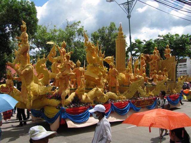 World's largest Buddhist lent candle created in Ubon Ratchathani