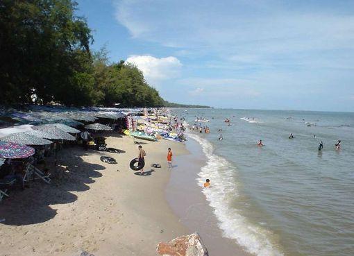 Beach in Cha-am, Phetchaburi