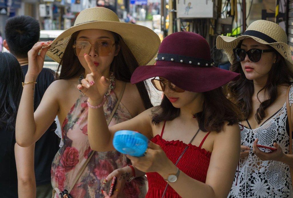 Chinese tourist girls in Pattaya