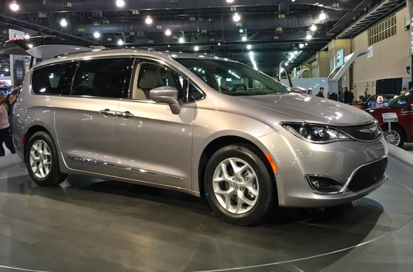 Google unveils self-driving Chrysler Pacifica hybrid minivans
