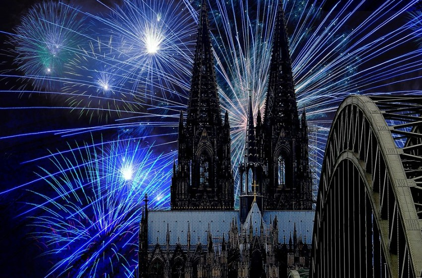 Cologne Cathedral New Year's Eve Darkness Fireworks