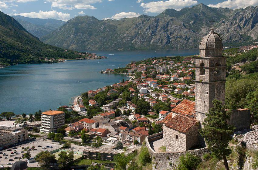 Man Throws Explosives at US Embassy in Montenegro, Kills Himself