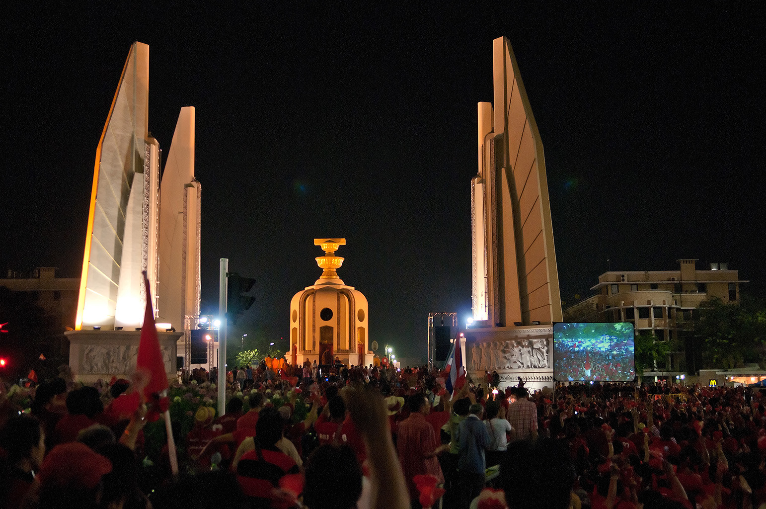 Red-shirt followers gather in remembrance of 2010 violent crackdown