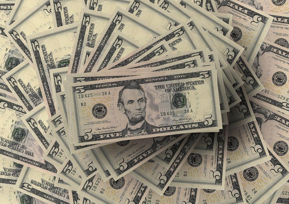 5 US dollar banknotes