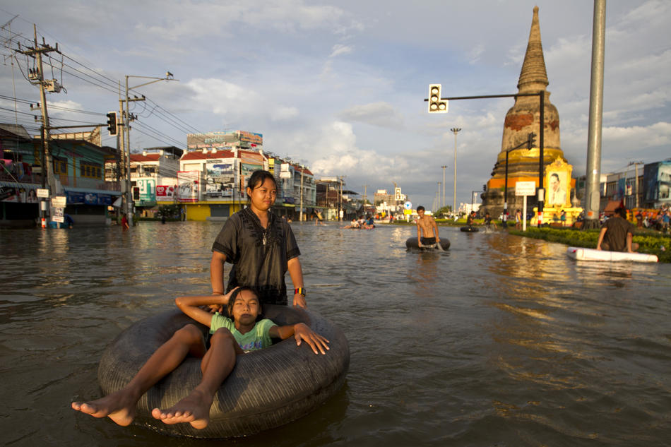 Flooding causes havoc October 9, 2011 in Ayutthaya,