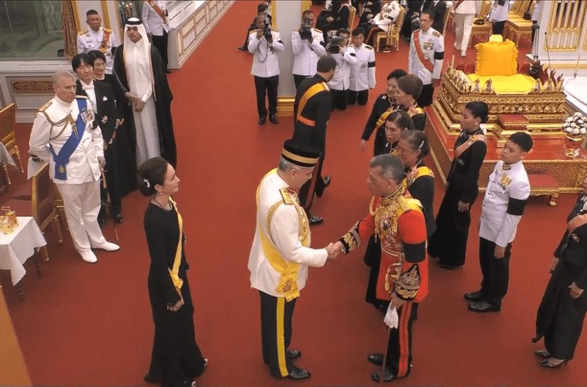 Foreign dignitaries greet Thai royal family