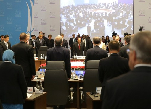 A minute of silence before the start of the G20 summit