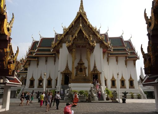 Phra Thinang Dusit Maha Prasat Throne Hall building
