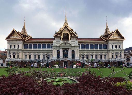 Phra Thinang Chakri Maha Prasat Throne Hall