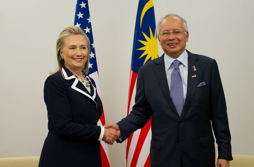 Malaysia Blocks Attempt by Najib, Wife To Go Abroad