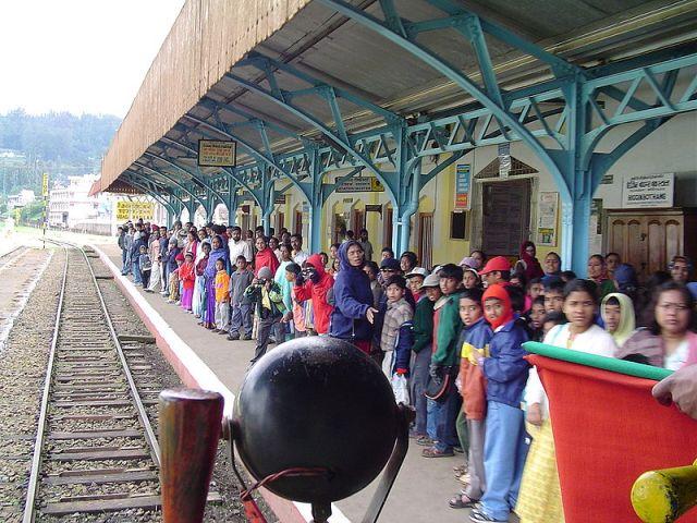 Death Toll in India Train Derailment Rises to 39