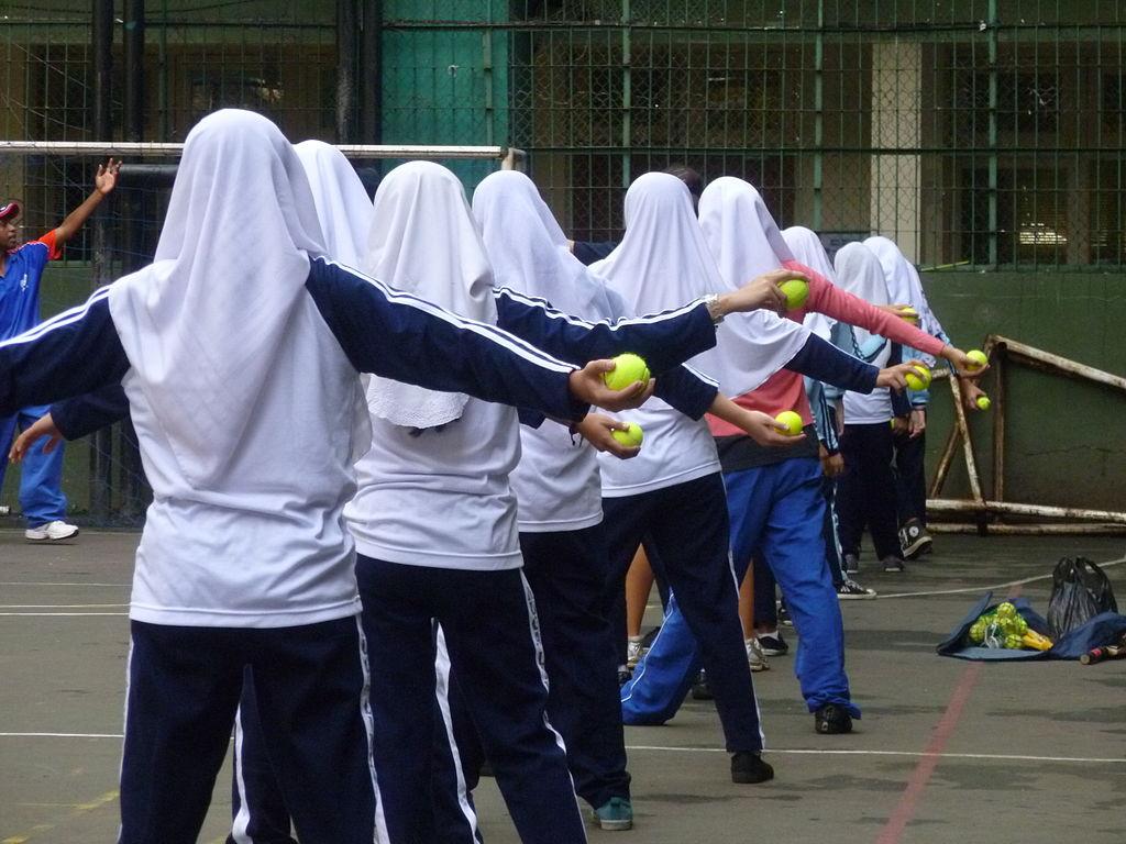 Indonesian school girls