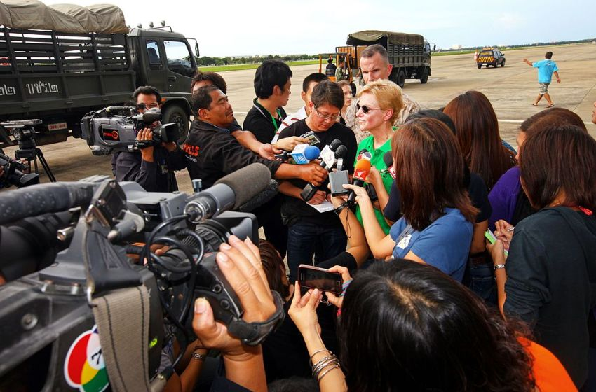 Thai press reporters interview Kristie A. Kenney
