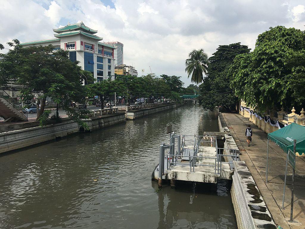 The canal of Khlong Phadung Krung Kasem in Bangkok