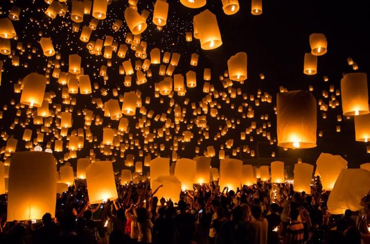 Khom Loys (Hot Air Lanterns) during the Loy Krathong Festival