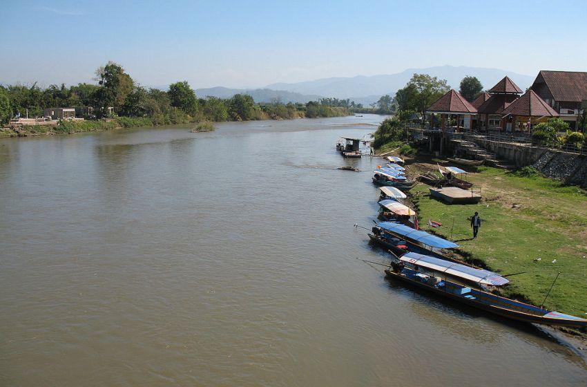Body of newborn baby found in Kok River
