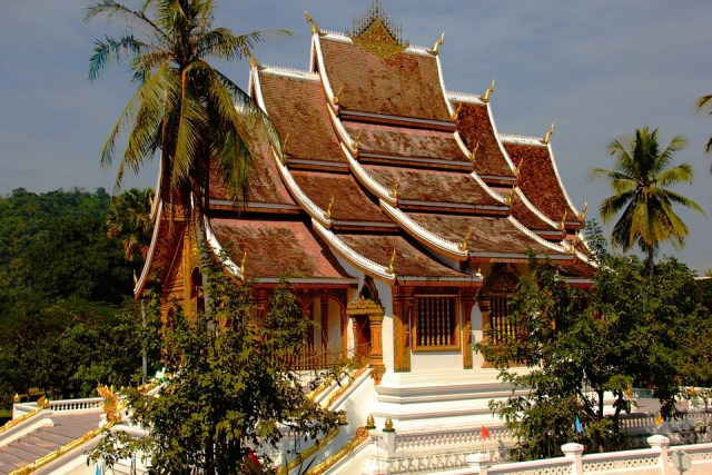 Thailand and Laos to continue bilateral ties in all areas