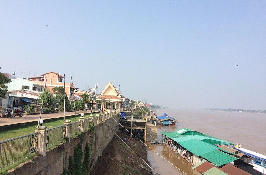 Mekong Tour Boat Capsizes in Nong Khai, 2 Missing