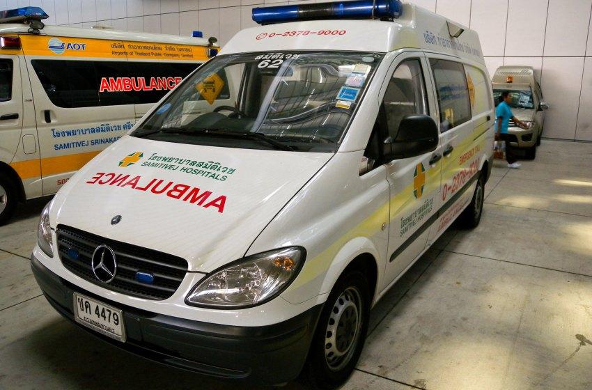 Mercedes-Benz Vito ambulance at Suvarnabhumi Airport, Bangkok