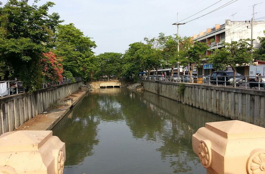 Woman, 80, rescued after jumping into Songkhla canal
