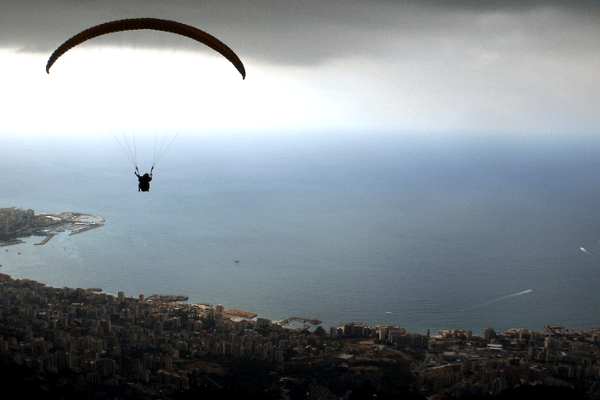 Paraglide take-off showing the curvature of the wing