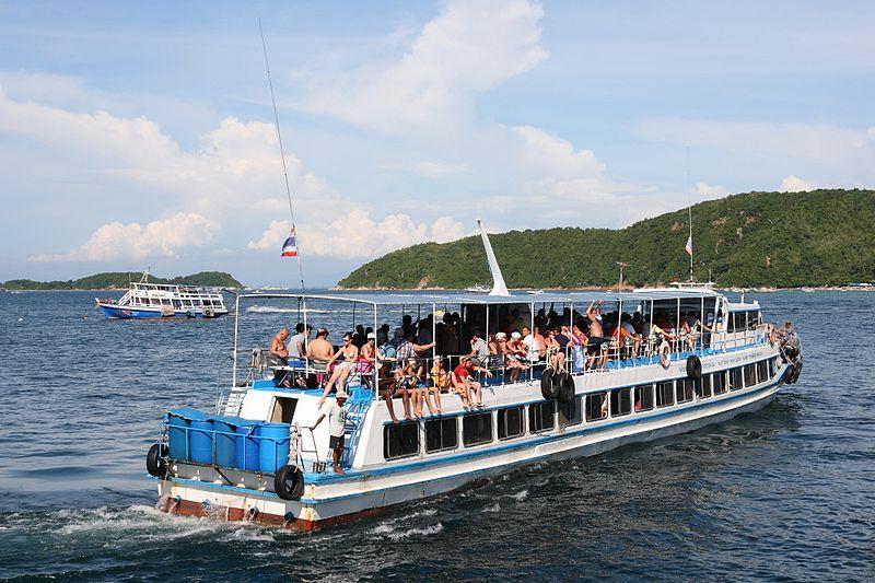 Ferry in Koh Larn, Pattaya