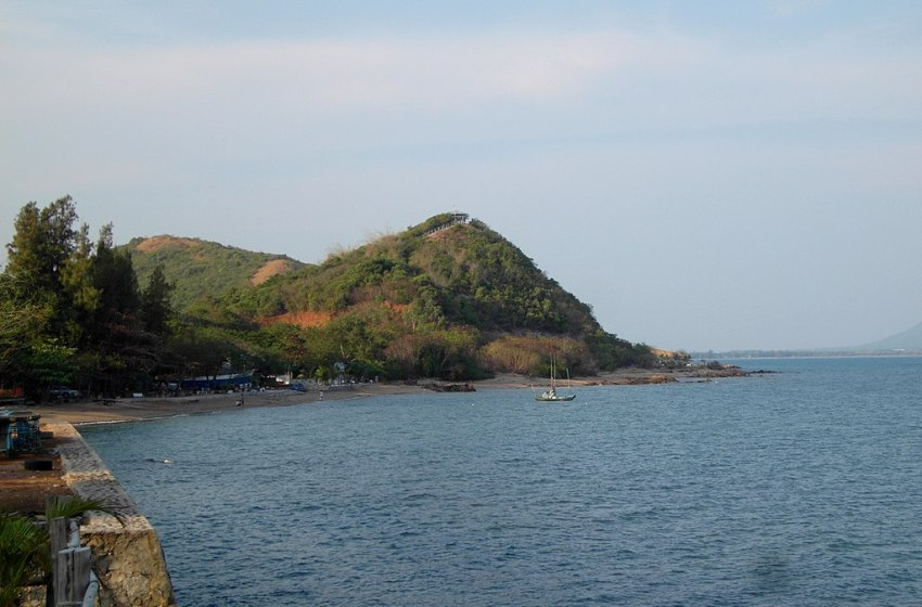 Samaesarn Island in Sattahip