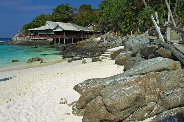 Chinese tourist drowns on snorkelling tour at Racha