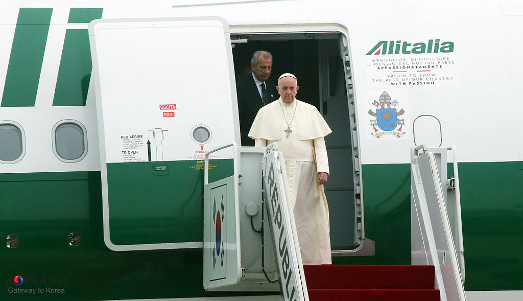 Pope Francis ends historical visit, heads for Japan