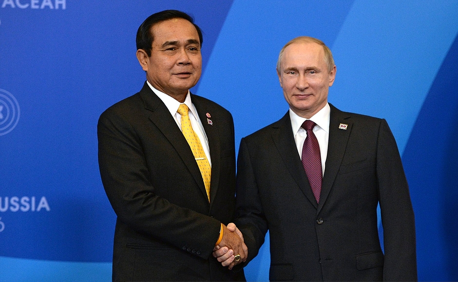 Prayuth Chan-Ocha and Vladimir Putin at Russia-ASEAN Summit