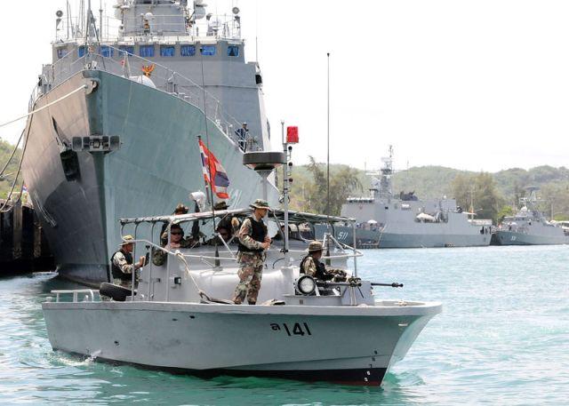 Thai and U.S navies conduct anti-submarine drills