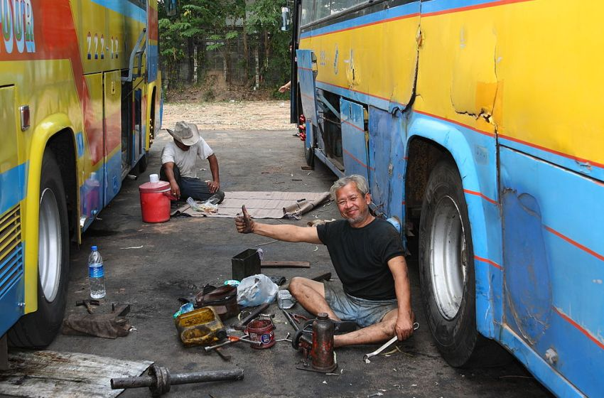 Public bus drivers to undergo urine tests