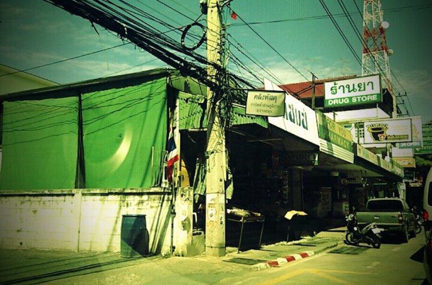 Shops in Pattaya Klang