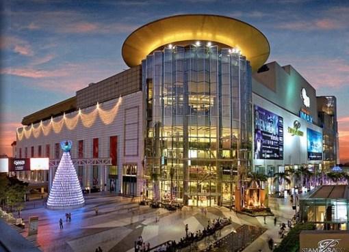Siam Paragon luxury shopping center in Bangkok