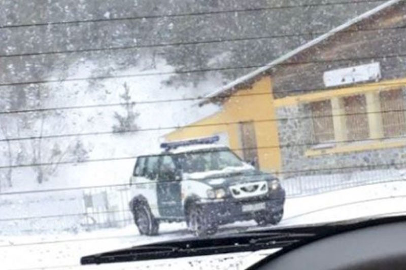 Guardia Civil checkpoint in France