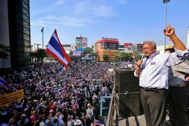 """Suthep and 8 others formally indicted for """"Bangkok Shutdown"""" anti-government protests"""