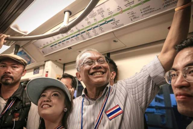 Suthep pleads his case with the NACC