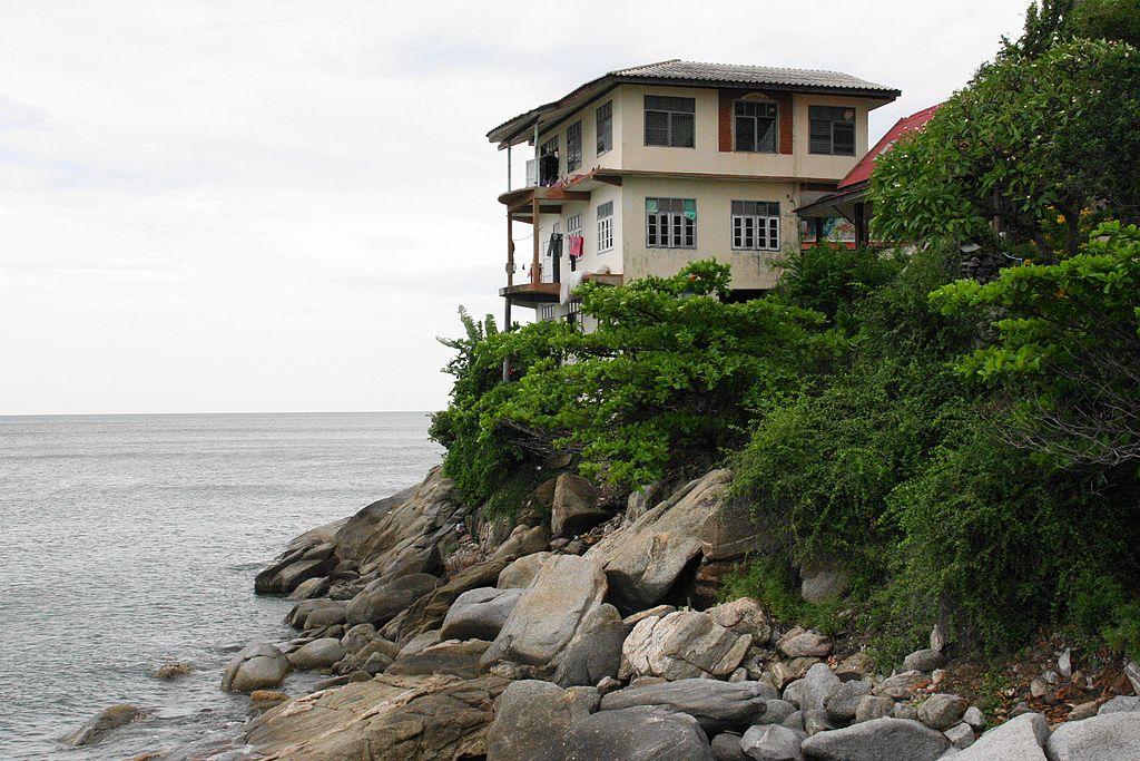 Takiap Rd in Nong Kae, Hua Hin