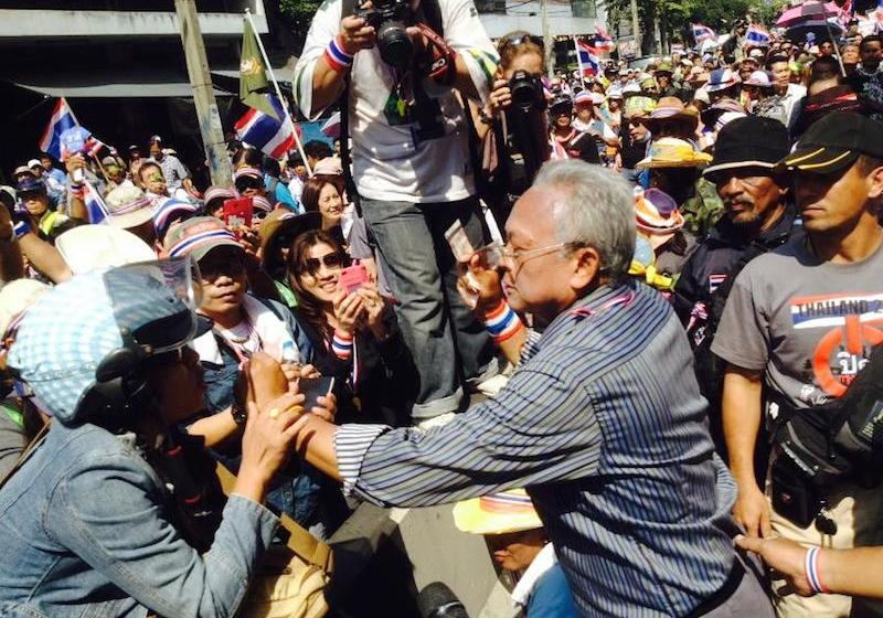 Former PDRC leader Suthep is ready to defend himself against the EC's lawsuit