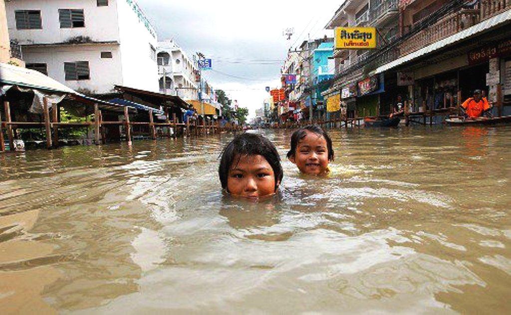 Tropical Storm Inundates Thailand, Kills 2 So Far