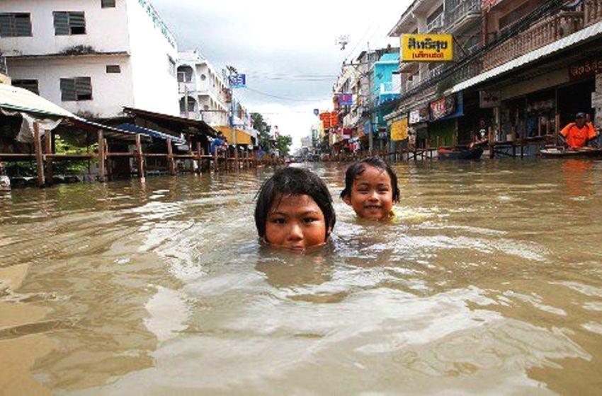 Flood donations abused, Bin admits