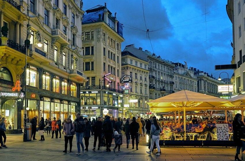 Busy street in Vienna, Austria