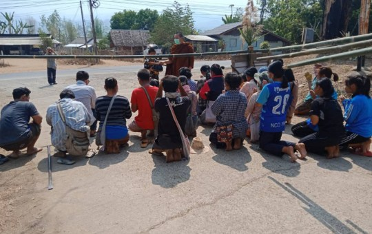 Thai villages locked down after people contracted COVID-19