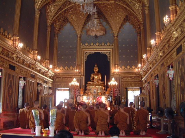 King at investiture of 20th Supreme Patriarch