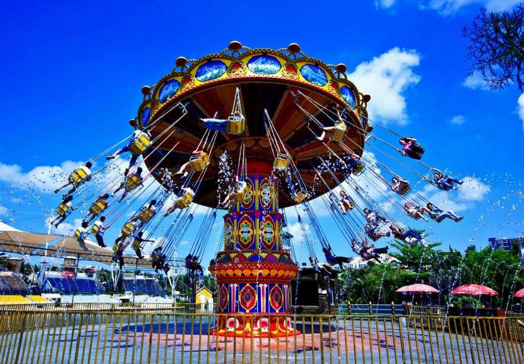 Amusement park, Carnival ride