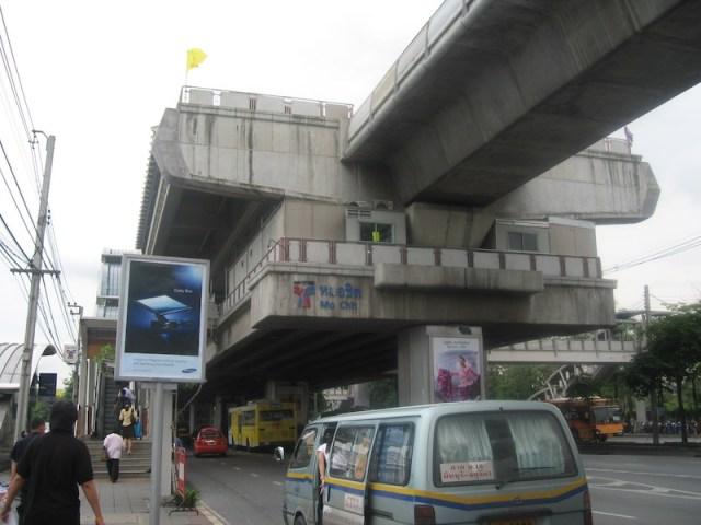 Bus Burns Down During Rush Hour Near BTS Bang Chak