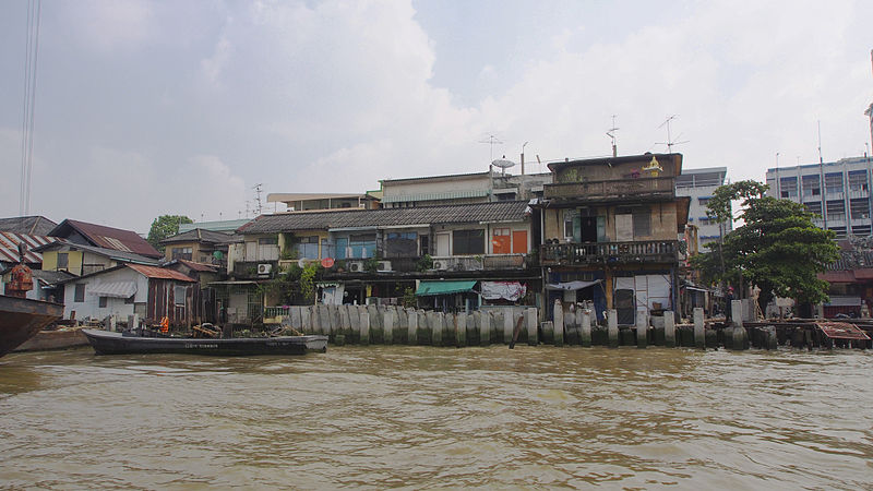 Houses on the banks of the Chao Phraya river