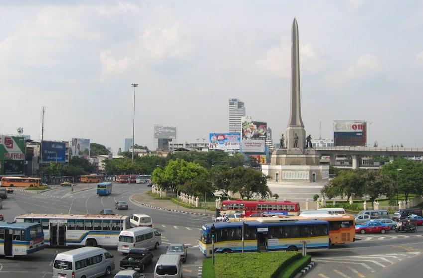 Passenger van operators want to return to Victory Monument