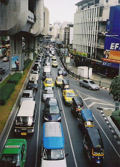 President Obama's Motorcade in Bangkok (Video)